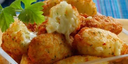 Bolinhos de batata e queijo